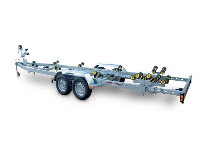 Rimorchi trasporto imbarcazioni  N2300-R Traversa posteriore basculante multirullo di serie