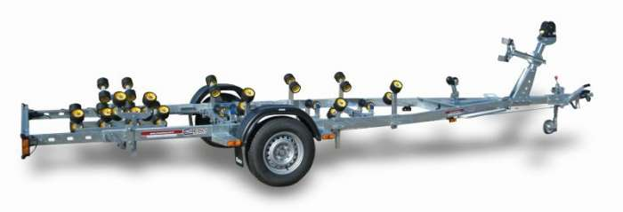Rimorchi trasporto imbarcazioni  N1500B-R Traversa posteriore basculante multirullo di serie