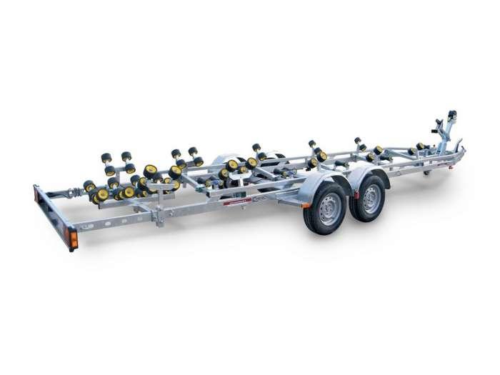 Rimorchi trasporto imbarcazioni  N25-R / N35-R Traversa posteriore basculante multirullo di serie