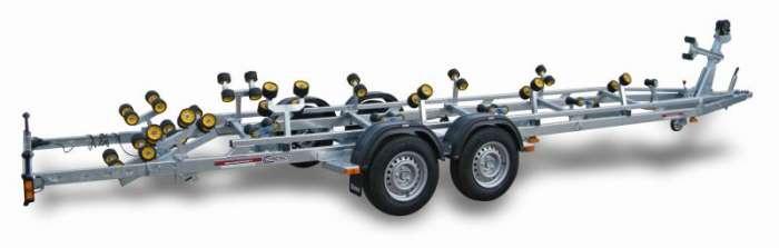 Rimorchi trasporto imbarcazioni  N3000-R / N3500-R Traversa posteriore basculante multirullo di serie